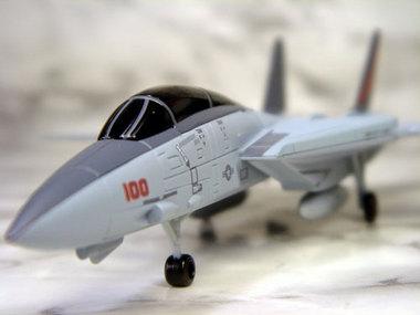 f14-003