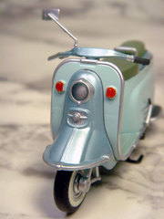 moped009